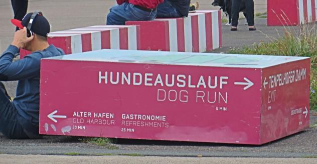 Berlin Neukölln Tempelhofer Feld Hundezone