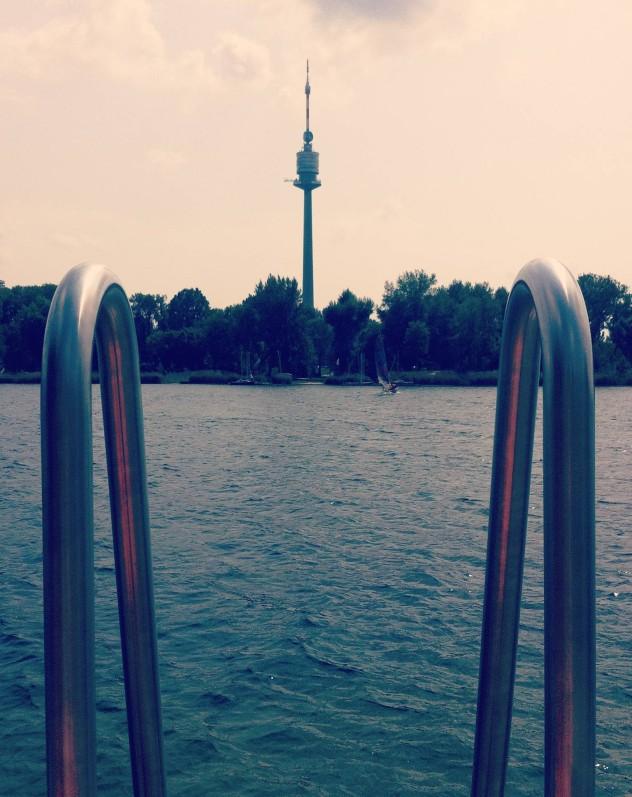 Donauturm Steg Schwimmen Alte Donau Wien