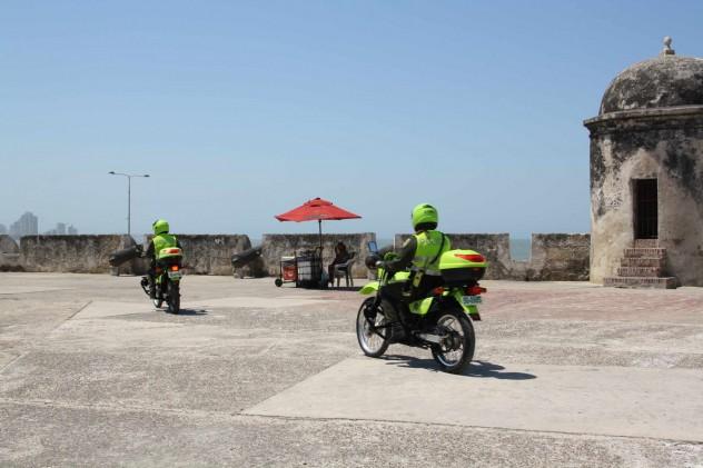 Roadtrippin Kolumbien Cartagena Motorraf Polizei