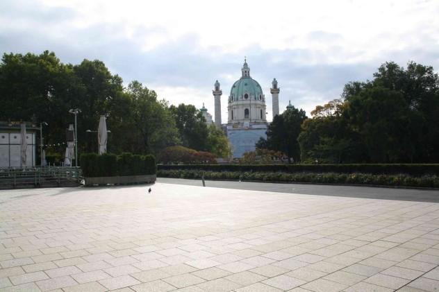 Herbststimmung am Karlsplatz in Wien