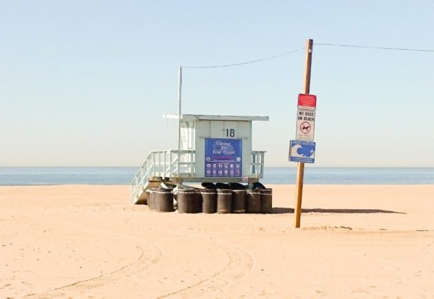santa monica lifeguard towers