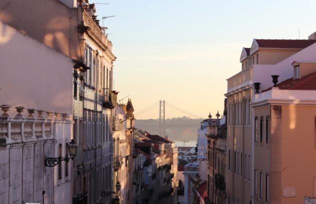 Blick von Principe Real Ponte 25 de Abril Aussicht