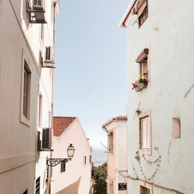 Lissabon Alfama Häuser Straße
